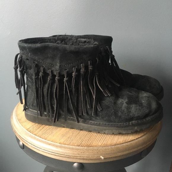 ebf6a55daa5 ugg wynona fringe boot